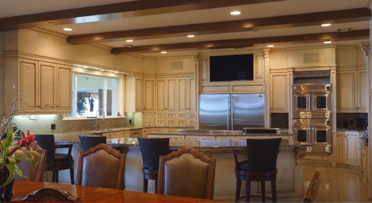 Shaq's kitchen