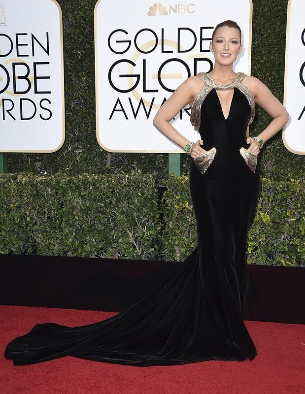 Blake Lively poses at Golden Globe Awards