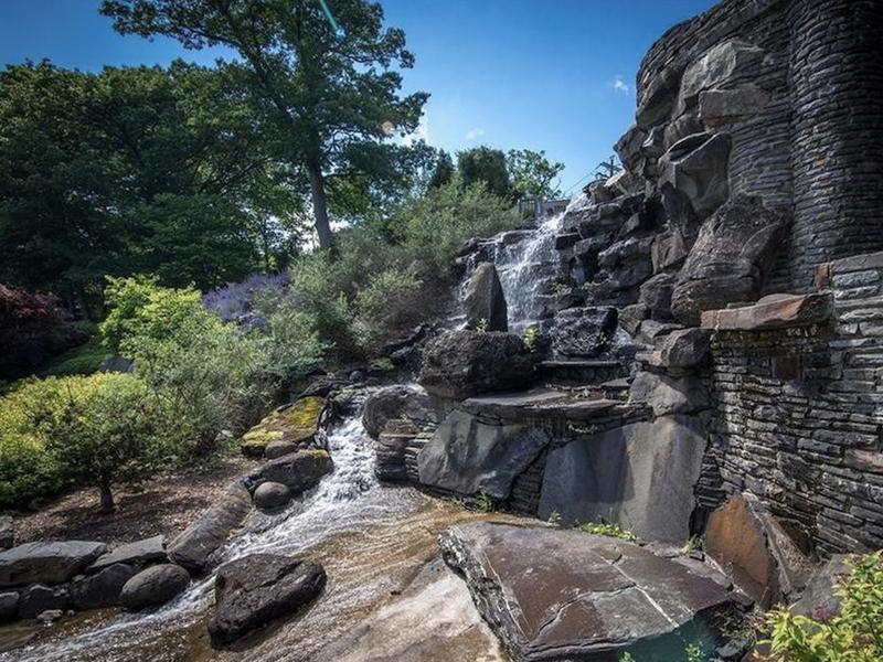 jeter house waterfall