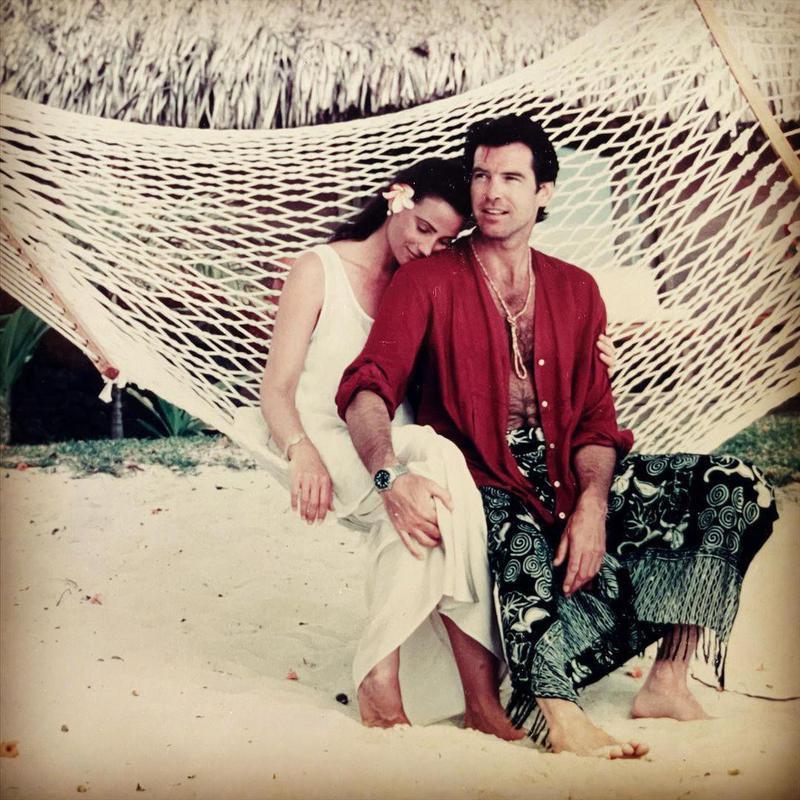 Pierce Brosnan and Keely Shaye Smith on hammock