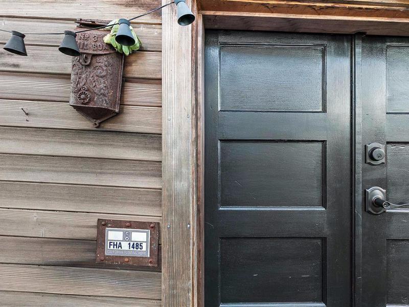 Houseboat door