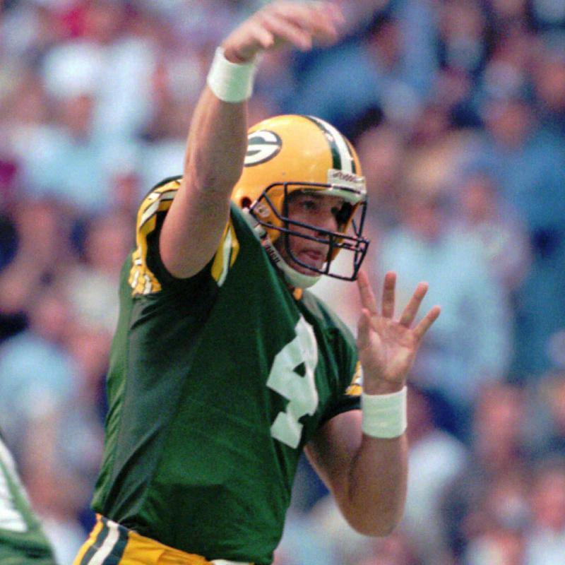 Brett Favre makes a throw