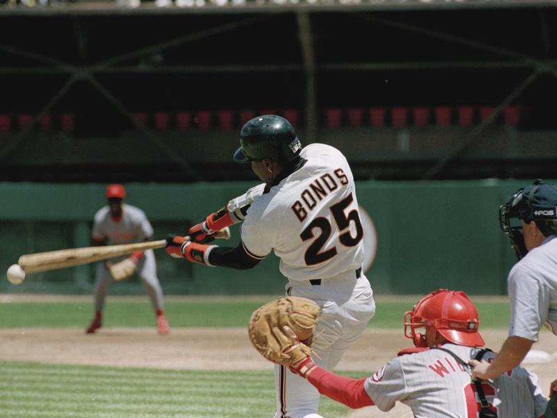 San Franciso Giants' Barry Bonds goes to bat against Cincinnati Reds