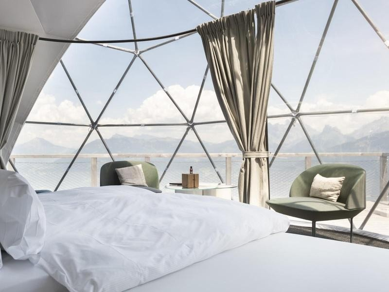 Eco pod luxury hotel in Switzerland