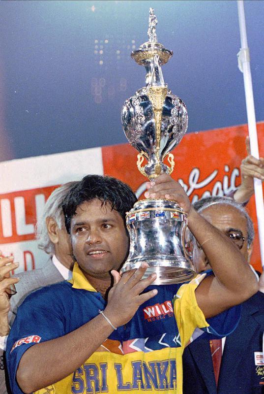 Arjuna Ranatunga with 1996 cricket World Cup trophy