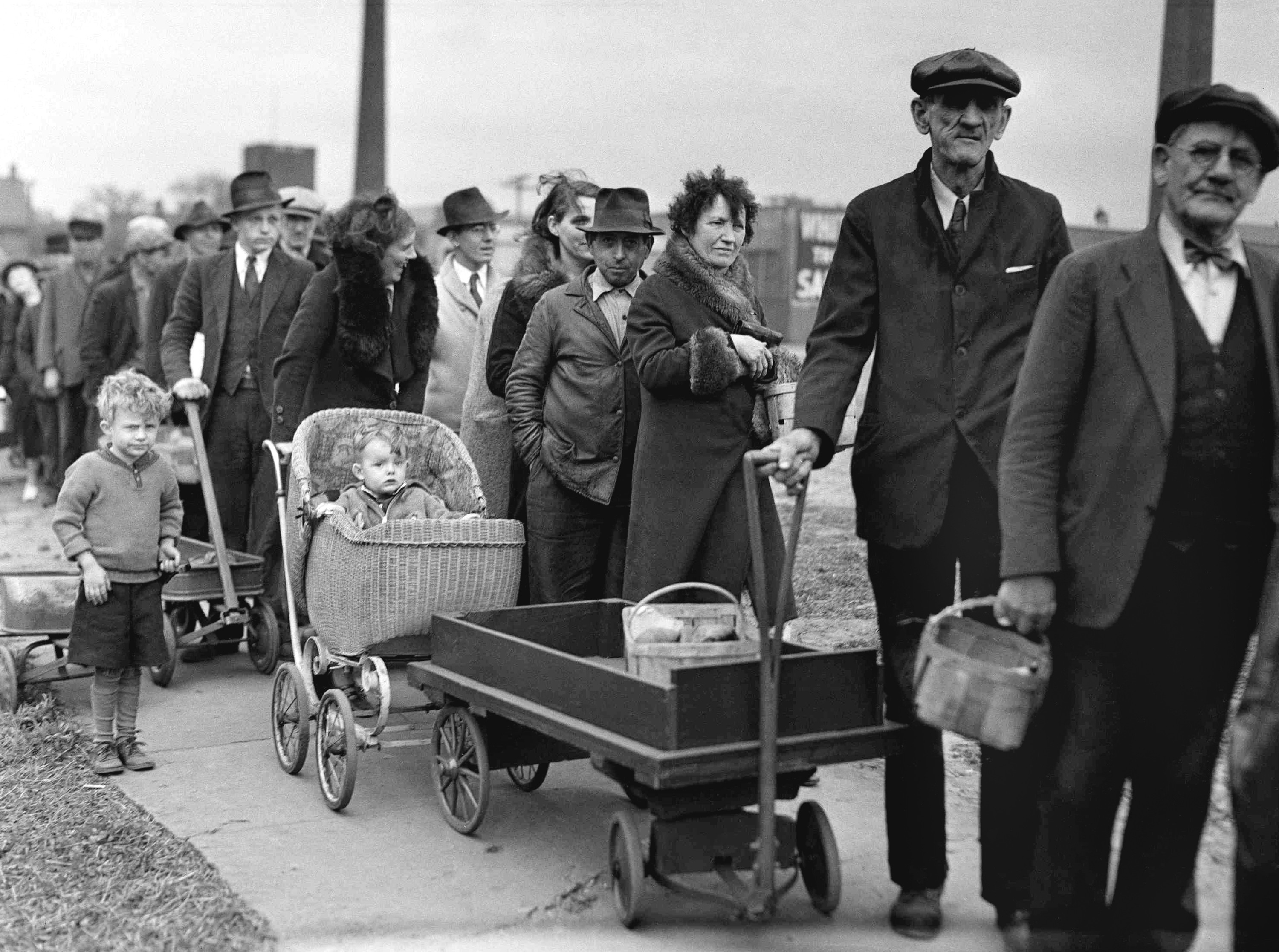 Great Depression food lines in Cleveland, Ohio