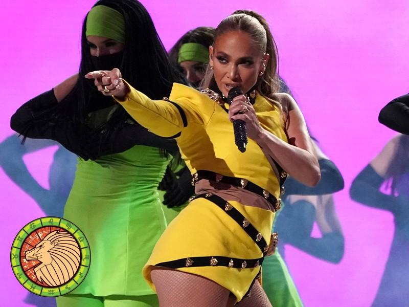 Leo: Jennifer Lopez