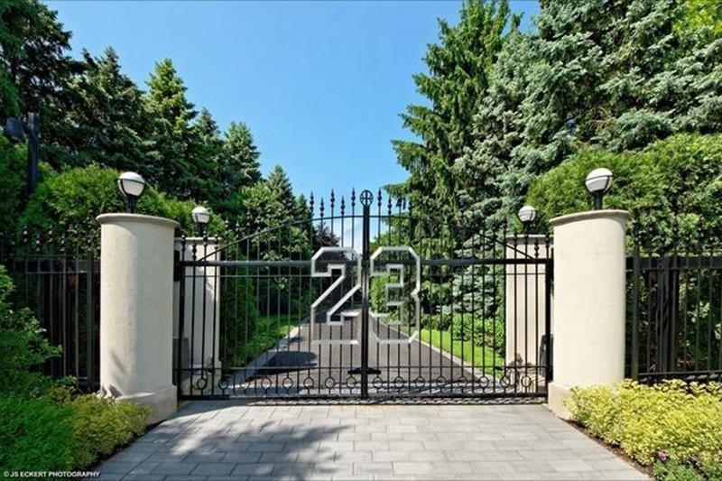 25. Michael Jordan's Illinois Estate