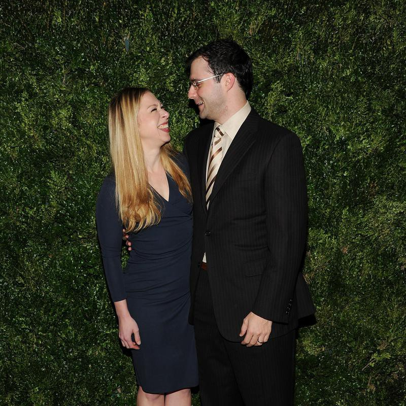 Chelsea Clinton and Marc Mezvinsky smiling