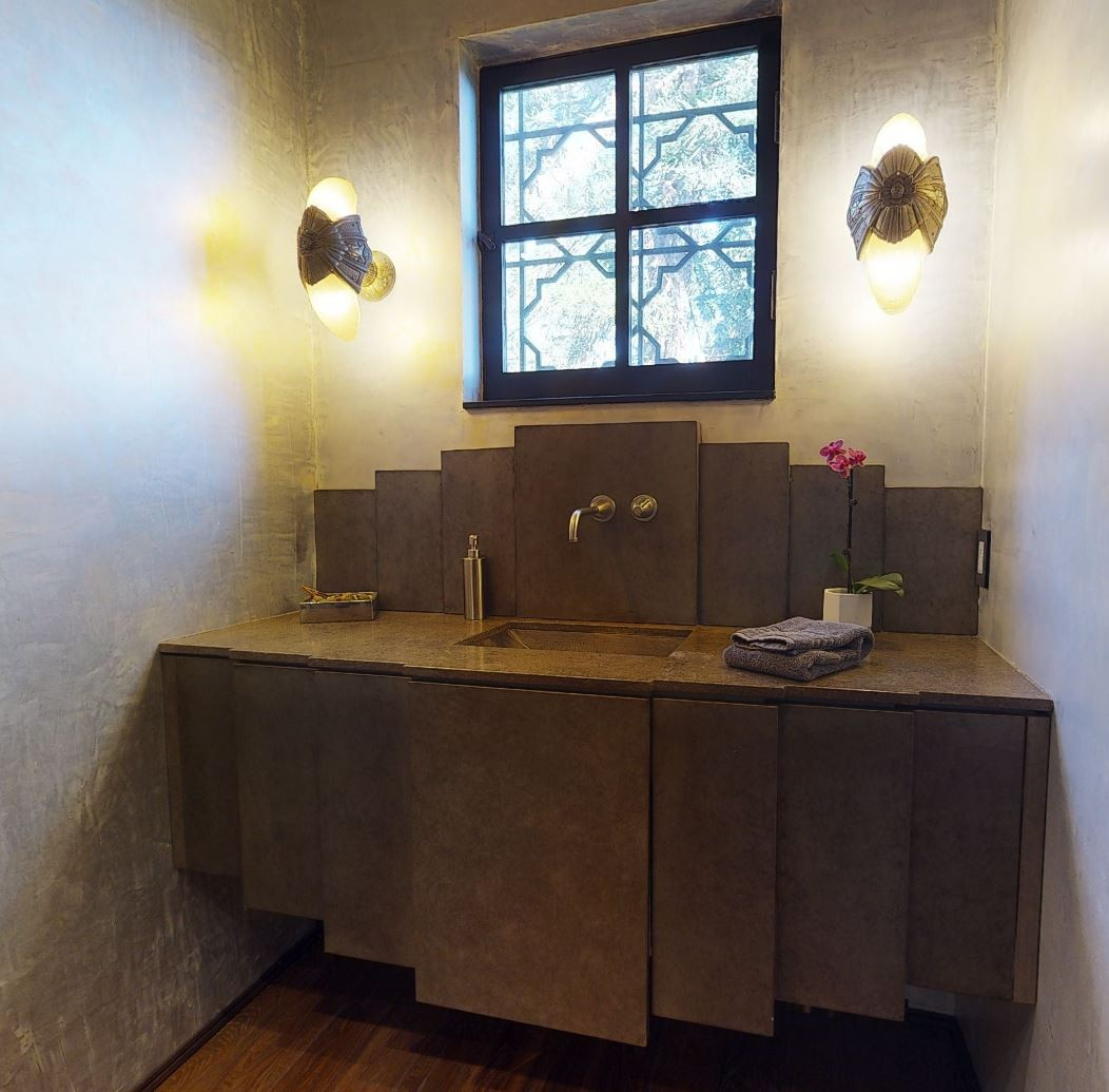 Sowden House bathroom