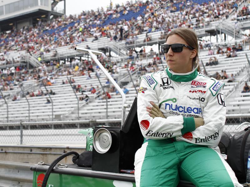 Simona De Silvestro sits on pit row