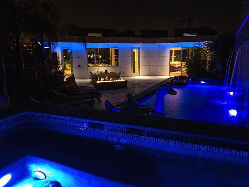 Hollywood party house