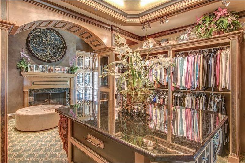 Kenny Rogers' closet