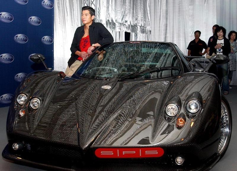Aaron Kwok with Ferrari