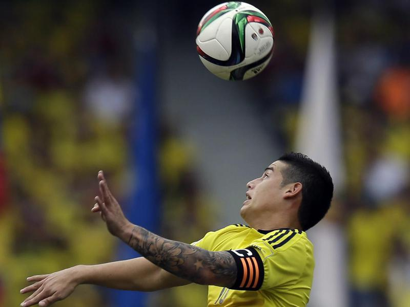 Colombia's James Rodríguez controls the ball during a 2018 World Cup qualifying match.