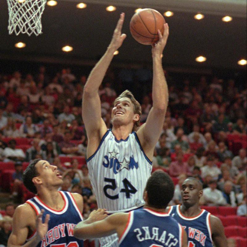 Orlando Magic's Jon Koncak shoots for basket
