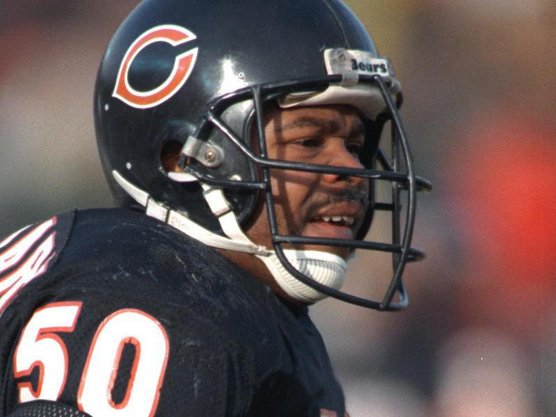 Chicago Bears linebacker Mike Singletary
