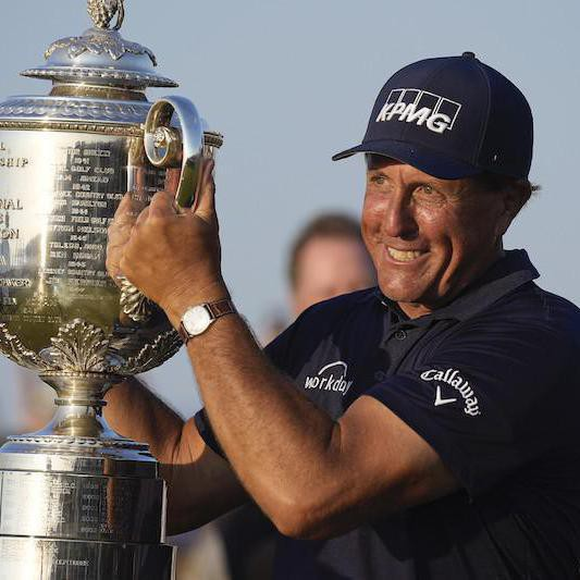 30 Pro Golfers Who Make the Most Money