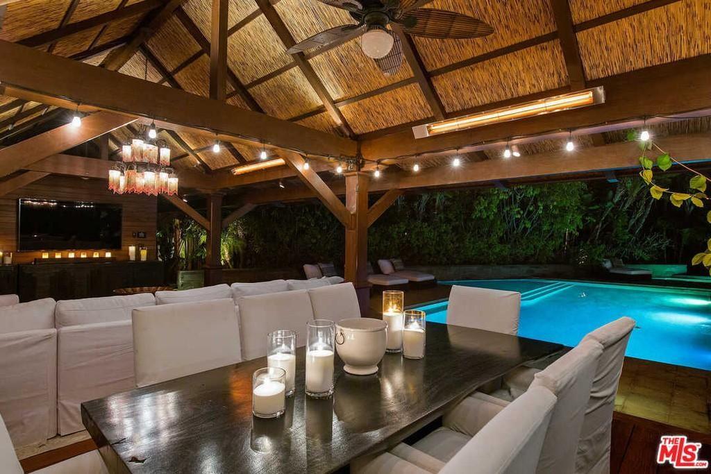 Matt Damon's cabana