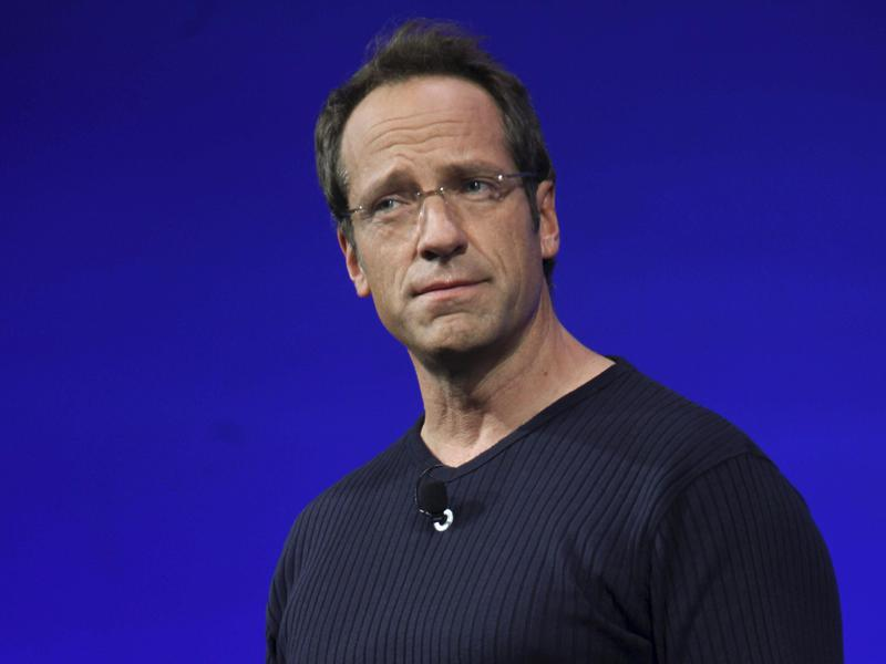 mike rowe discovery upfront presentation