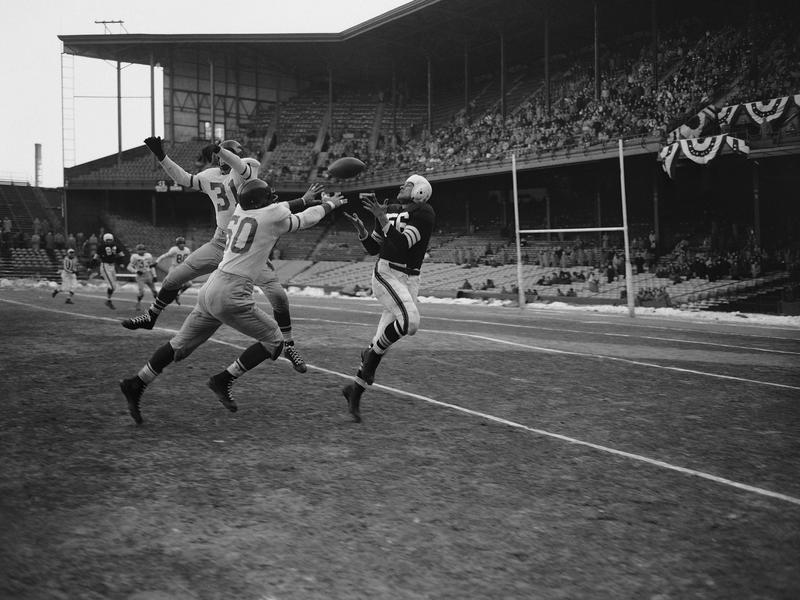 Philadelphia Eagles linebaker Chuck Bednarik, No. 60
