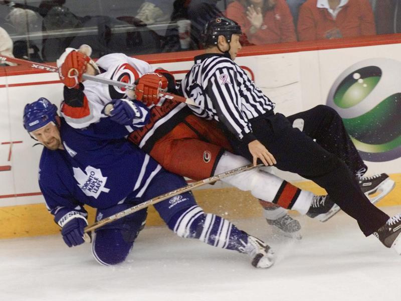 Toronto Maple Leaf Gary Roberts