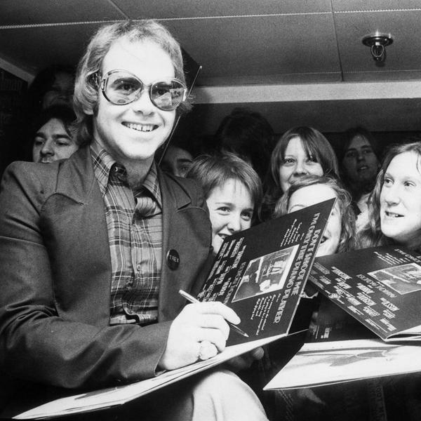 How Elton John Amassed a $500 Million Net Worth