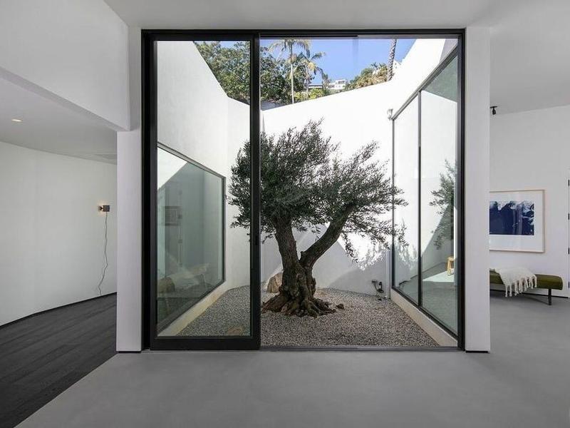 Living room atrium