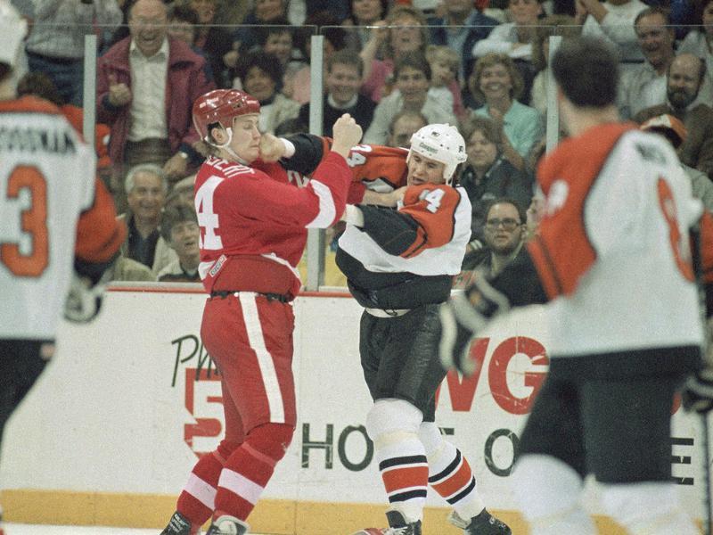 Philadelphia Flyers left wing Craig Berube