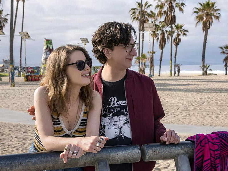 """Paul Rust and Gillian Jacobs in Netflix's """"Love"""""""