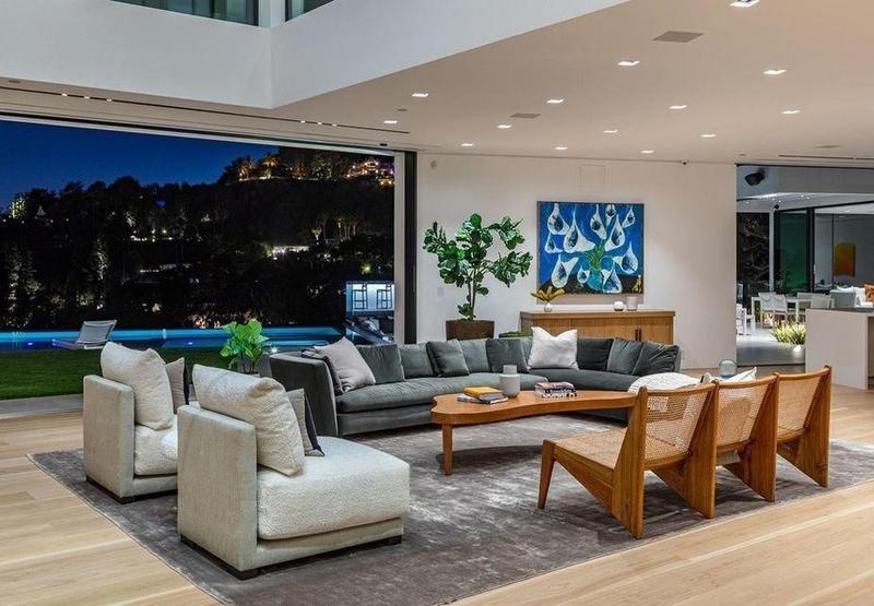 Modern living room in Los Angeles