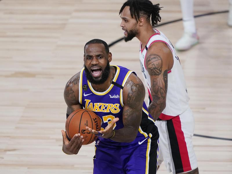 Los Angeles Lakers guard LeBron James