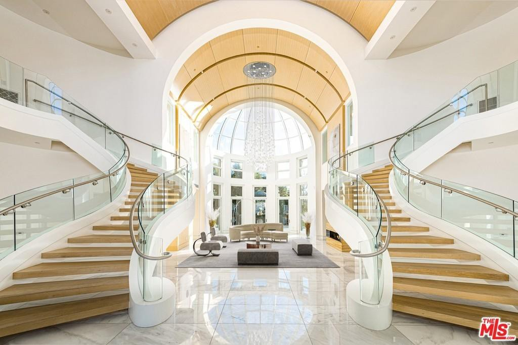 Grand butterfly staircase