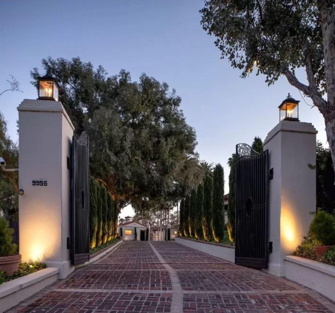 Mansion in Beverly Hills