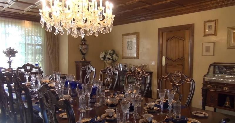 Wayne Newton's dining room