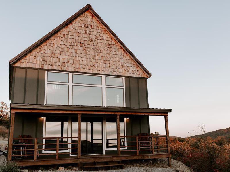 Scenic Mountain Lodge on Sardis Lake in Oklahoma