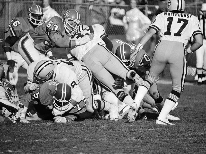 Denver Broncos linebacker Randy Gradishar