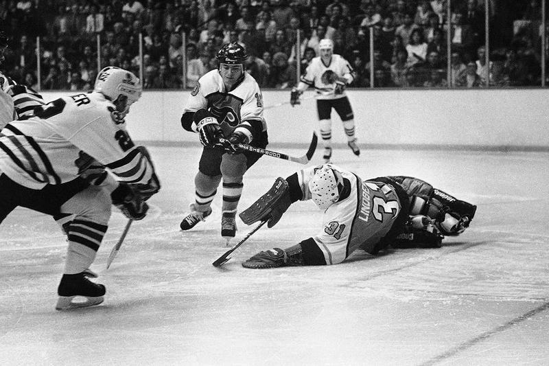 Philadelphia Flyers goalie Pelle Lindbergh