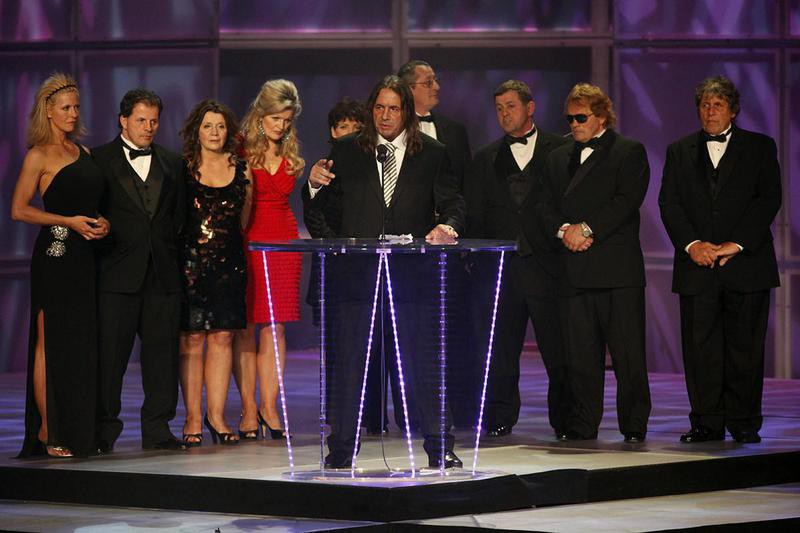 Bret Hart and family