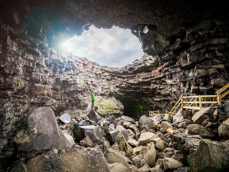 Víðgelmir Cave