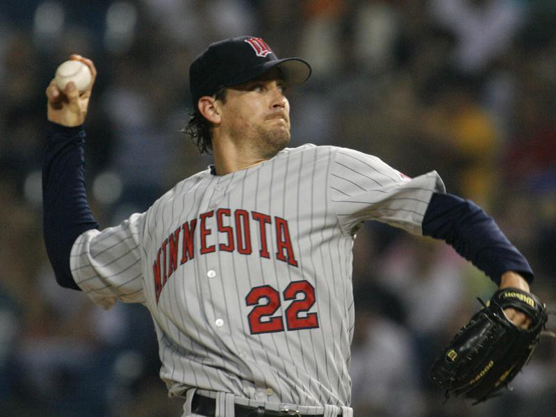 Minnesota Twins ' Brad Radke pitches against Chicago White Sox