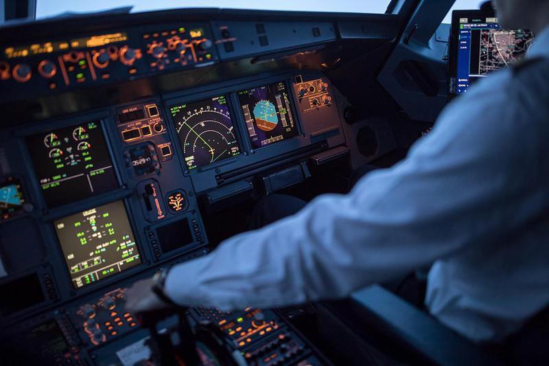 airplane flight deck