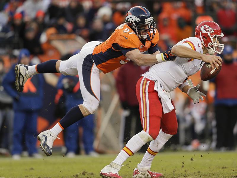 Denver Broncos linebacker Keith Brooking