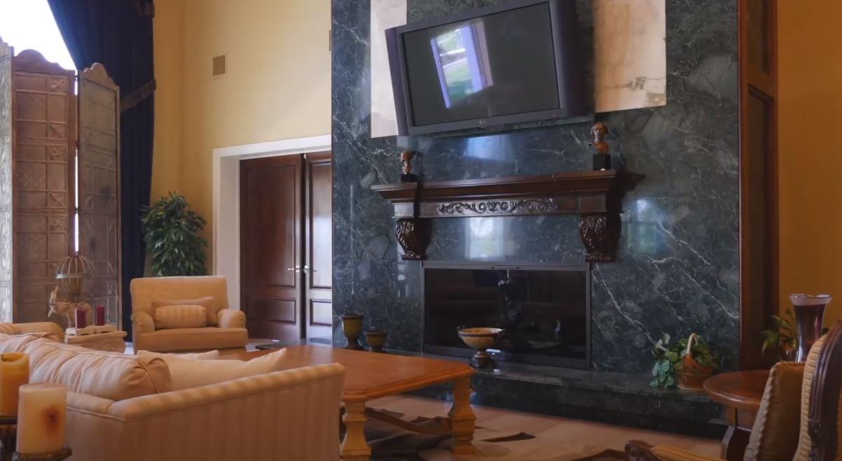 Shaq's living room