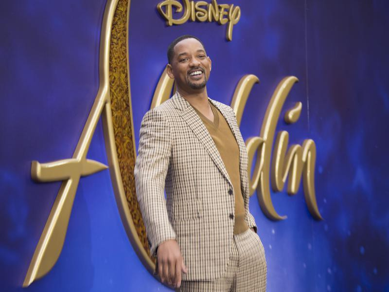 Will Smith poses for photographers at 'Aladdin' European Gala
