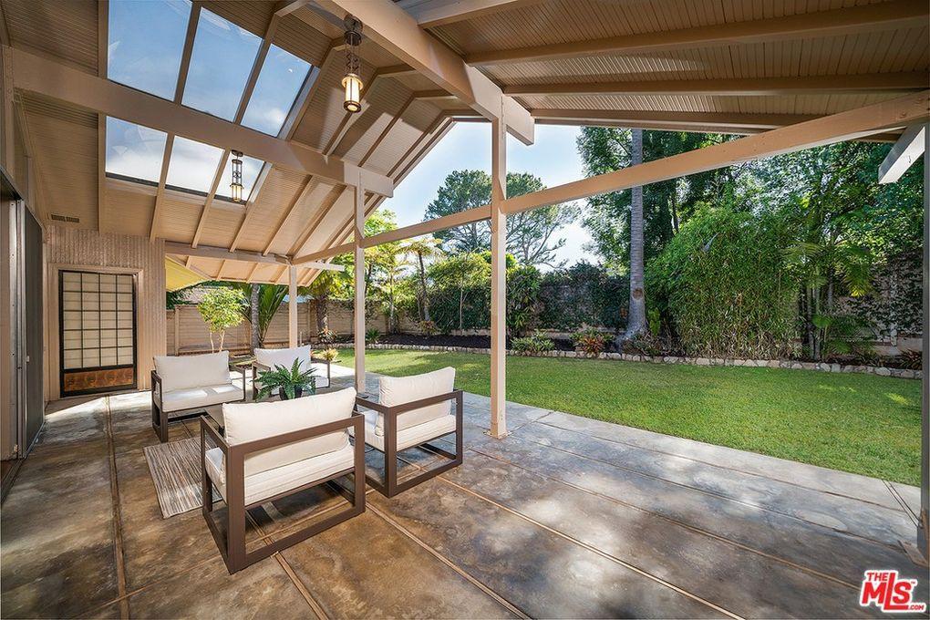 Golden Girls house patio