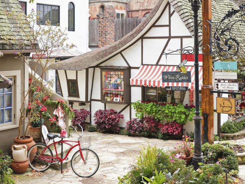 Carmel-by-the-Sea street