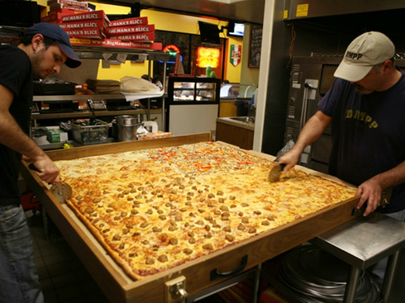 Big Mama's and Papa's Pizza
