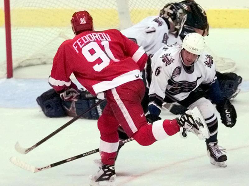 Detroit Red Wings center Sergei Fedorov scores winning goal
