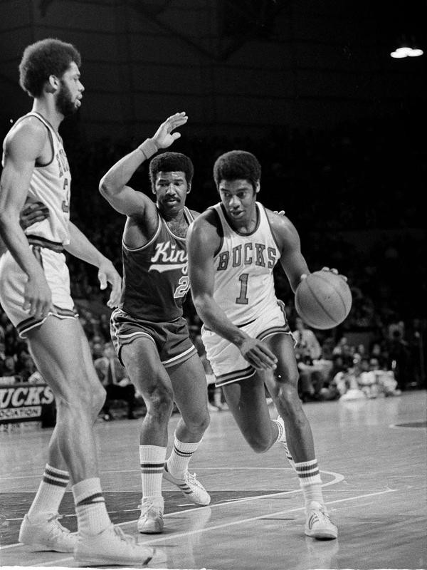 Milwaukee Bucks point guard Oscar Robertson